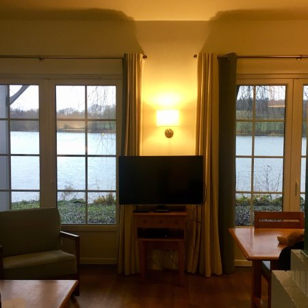Center Parcs Le Lac d'Ailette: Salon (cottage VIP)