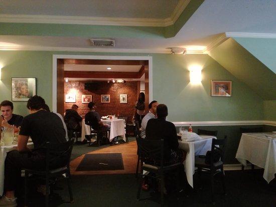 Sylvia's Restaurant: Interior restaurante