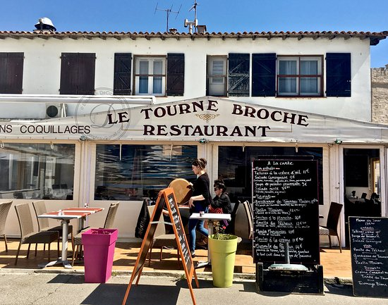 Le Tourne Broche Restaurant or Le Tournebroche in Saintes-Maries-de-la-Mer France - deciccophoto