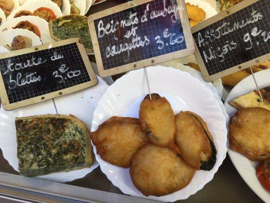 Lou Pilha Leva: les beignets et la tarte aux blettes