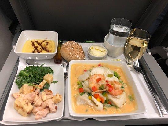 TAP Air Portugal: Caldeirada de Bacalhau com Camarão