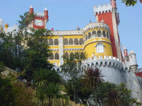 Park and National Palace of Pena: Beautiful Colours