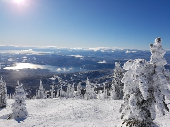 Whitefish Mountain Resort: Whitefish Lake and townsite from near the Summit - Lift 1.