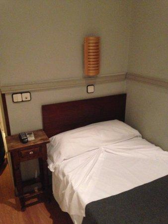 4983149b33d5 Detalles de la habitación. En mi caso uso individual  fotografía de ...