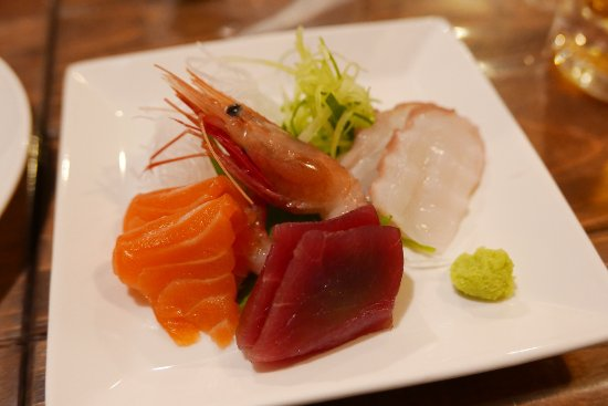 Kaisen Robatayaki Dairyobata: お刺身