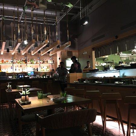 Sushi Garage Photo1 Jpg
