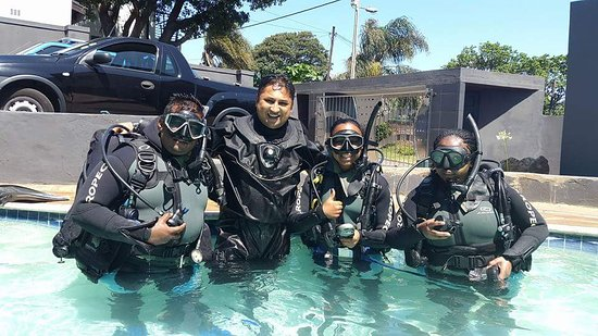 Durban, Sudáfrica: Try scuba diving... no experience needed