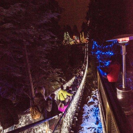Vancouver Nord, Canada: Foto noturna na véspera de Natal estava muito lindo