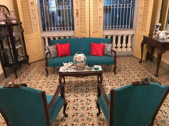 visite de la maison picture of la aldaba santa clara tripadvisor. Black Bedroom Furniture Sets. Home Design Ideas