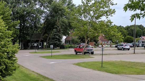 Windmill Island Gardens : Parking / Entrance to Park