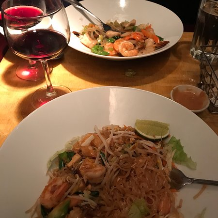 Thai Topaz Restaurant