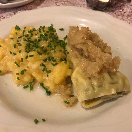 Kachelofen Stuttgart maultasche geschmälzt mit kartoffelsalat picture of weinstube