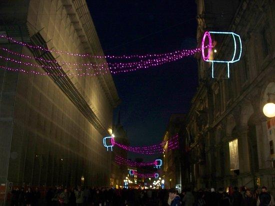 Illuminazione natalizia foto di piazza mercanti milano tripadvisor