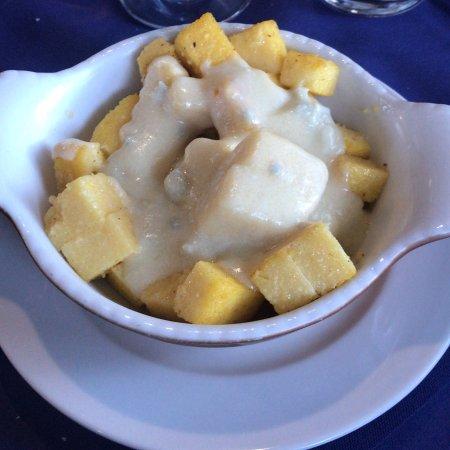Agriturismo Corte's Ranch : Quadratini di polenta con gorgonzola sciolta!!!! Spettacolo