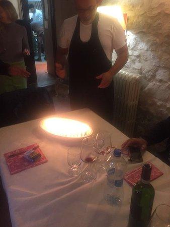 Sant'Anatolia di Narco, Italy: Il dolce con le 50 candeline