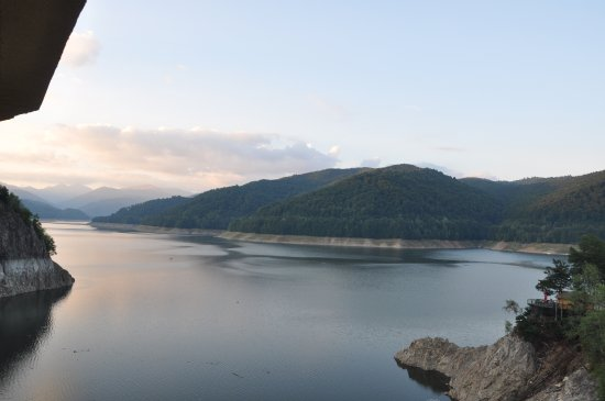 Vidraru Dam: lake