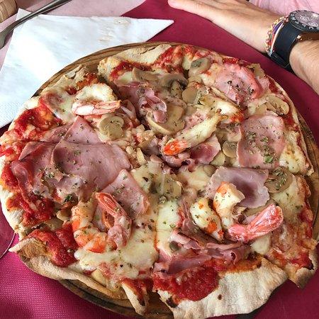 Il tocco genovese la coru a restaurant bewertungen for Pizzeria il tocco
