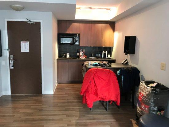 Executive Hotel Cosmopolitan Toronto: Cozinha