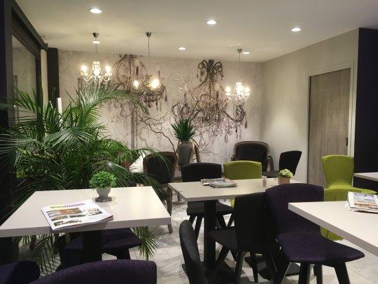La Motte Servolex, Frankrike: Salon de thé completement renové