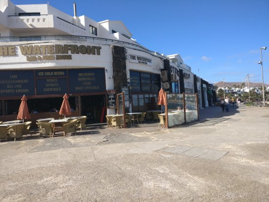 The Waterfront Bar & Food house: outside