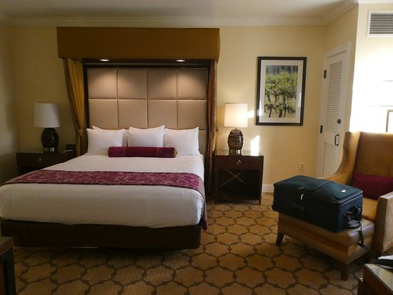 The Meritage Resort and Spa: The bedroom