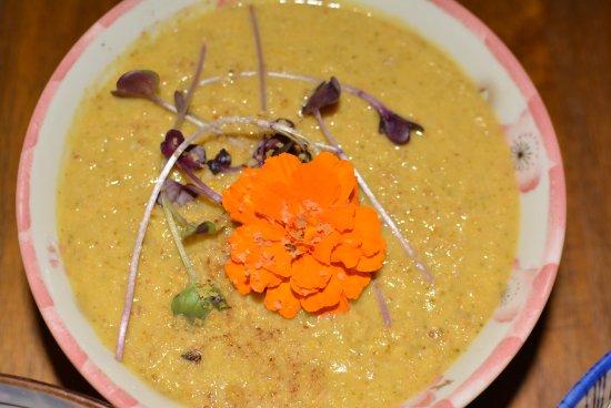 Aa Roots Maui: Broccoli soup