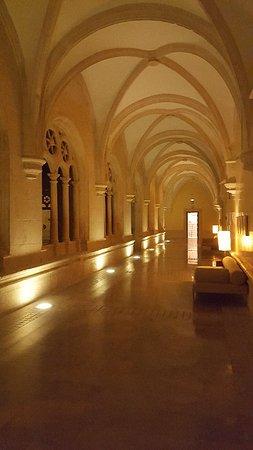 NH Collection Palacio de Burgos: 20171208_221603_large.jpg