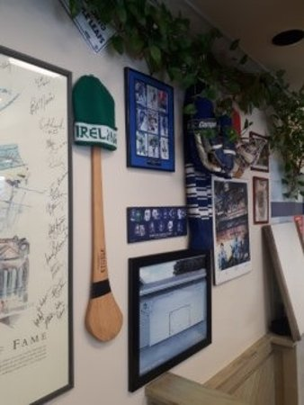 TC's Burgers: Hockey all over the walls