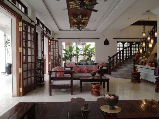 Apsara Centrepole Hotel: IMG-20171226-WA0002_large.jpg