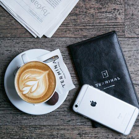 Šoljica tople kafe je jedino što nam!