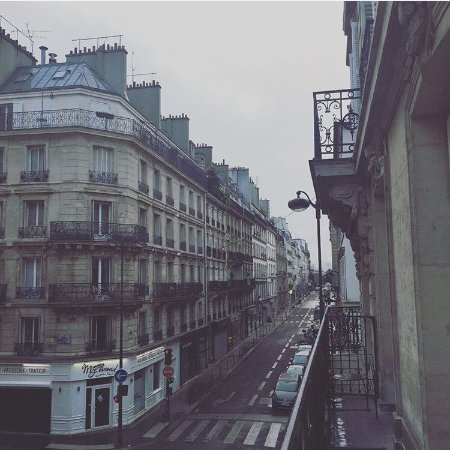 Le85 Paris: in the morning