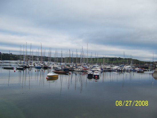 Fishy Fishy Restaurant: Kinsale has a beautiful sail harbor. Many visitors to Kinsale arrive in their sail boats.