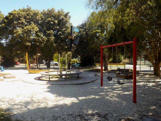 Montgomery Park: Play equipment