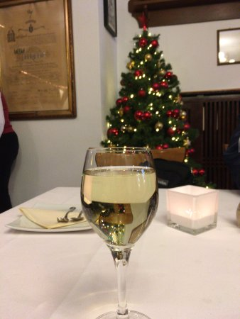 restaurant cafe stadt frankfurt fully decorated christmas tree and riesling wine - Fully Decorated Christmas Tree