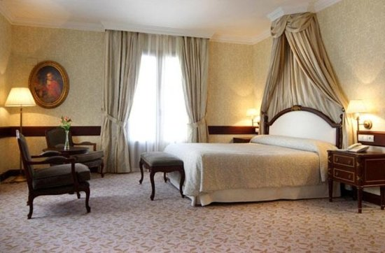 Hotel Candido: Guest room