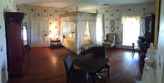 South Boston, VA: Suite