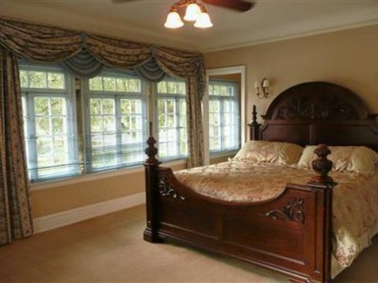 The Club Continental Suites: Guest room