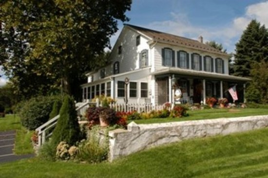 1825 Inn Bed and Breakfast: Exterior