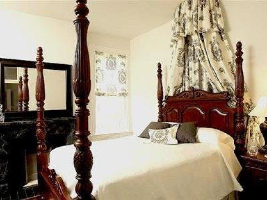 Freemason Inn Bed & Breakfast: Guest room