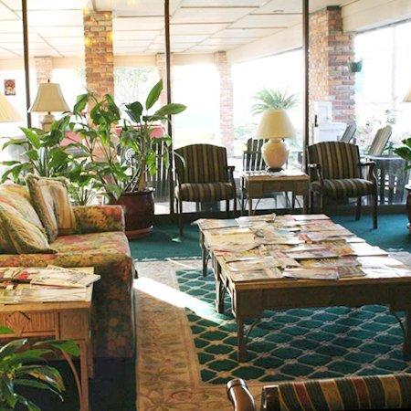 Quail Run Lodge: Lobby