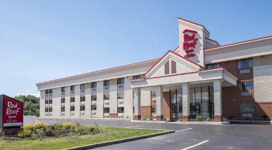exterior picture of red roof inn suites cleveland. Black Bedroom Furniture Sets. Home Design Ideas