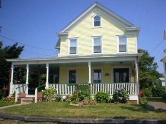 Stirling House Bed and Breakfast: Exterior