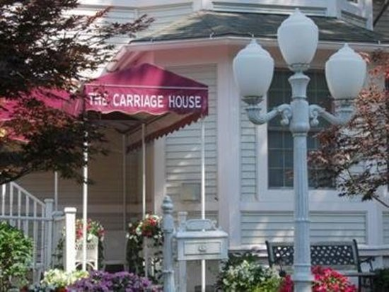 Carriage House at the Harbor: Exterior
