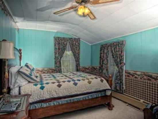 Allegiance Bed and Breakfast: Guest room