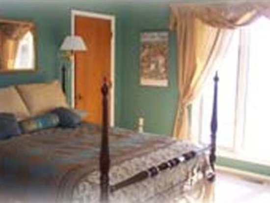 Laurel Grove Inn on the South River: Guest room