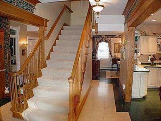 Prairieside Suites: Lobby