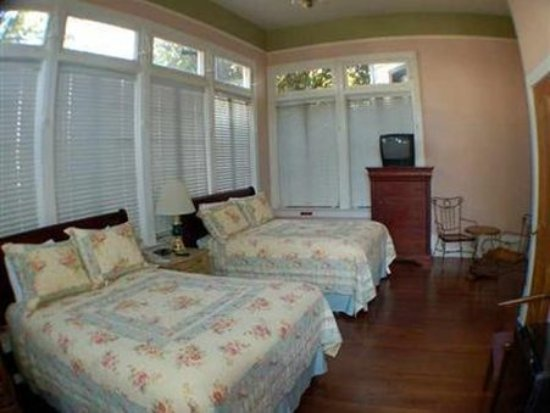 Avenue Inn Bed and Breakfast : Guest room