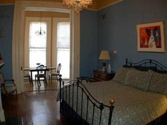 Avenue Inn Bed and Breakfast: Guest room