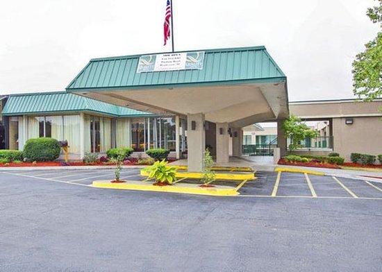 Henderson, North Carolina: Exterior