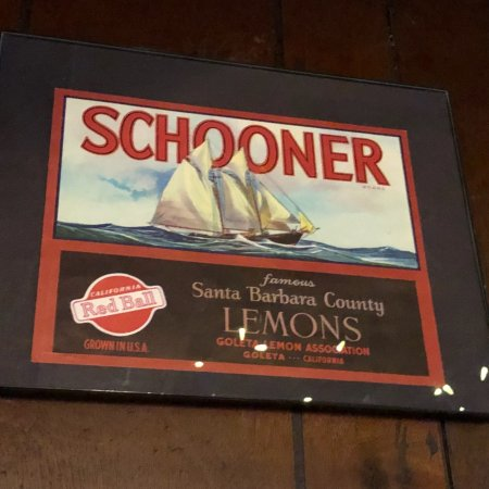 The Schooner Restaurant & Lounge: photo1.jpg